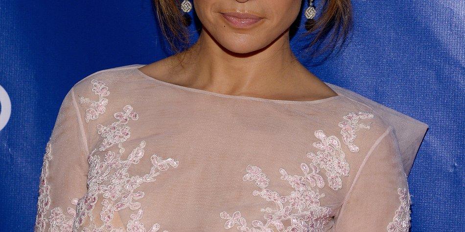 Jennifer Lopez feiert heute Geburstag!