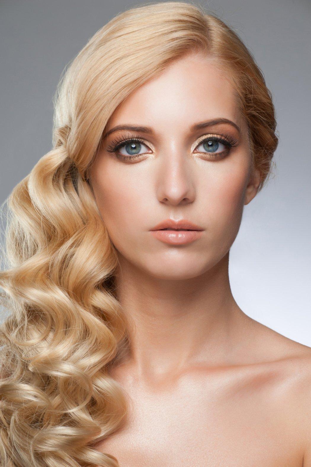 Welche Haarfarbe Passt Zu Blauen Augen Diese Desiredde