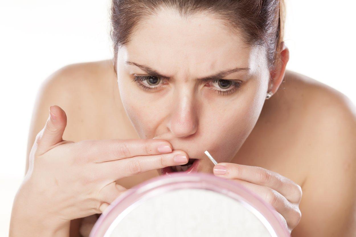 Obwohl die meisten Frauen Haare über der Oberlippe oder am Kinn haben, ist das Thema immer noch schambehaftet.