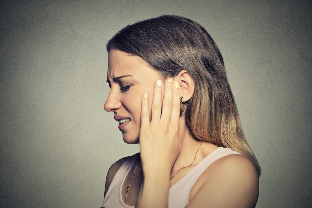 Pickel hinterm Ohr