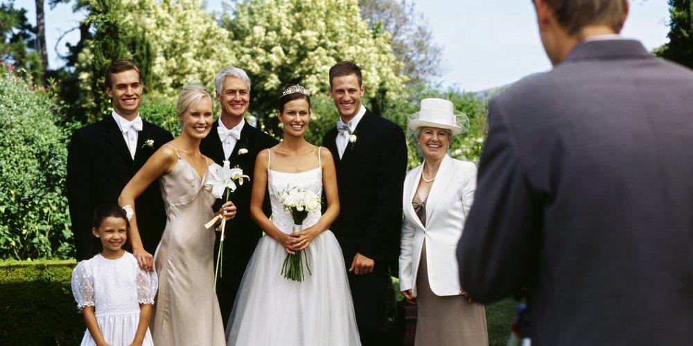 Die Anzeichen, ob eine Ehe halten wird oder nicht, sollen schon am Tag der Trauung erkennbar sein. Das behaupten zumindest acht Hochzeitsfotografen.