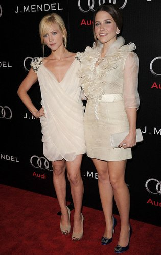 Sophia Bush und Brittany Snow.