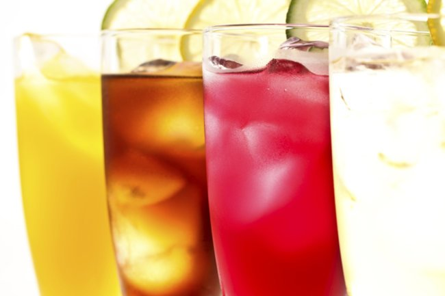 Kunterbunt und erfrischend: Cocktails ohne Alkohol