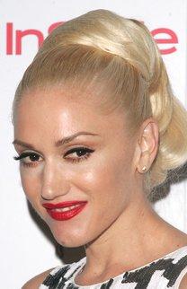 Gwen Stefani mit Hochsteckfrisur