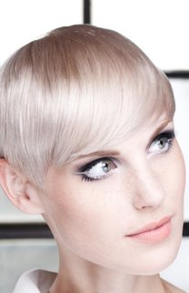 Toller Pixie in hellem Blond