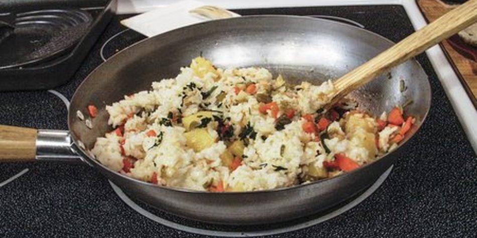 Reispfanne mit Huhn