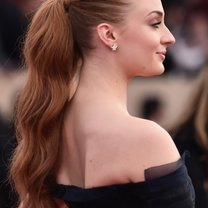 LOS ANGELES, CA - JANUARY 30:  Actress Sophie Turner attends the 22nd Annual Screen Actors Guild Awards at The Shrine Auditorium on January 30, 2016 in Los Angeles, California.  (Photo by Alberto E. Rodriguez/Getty Images)