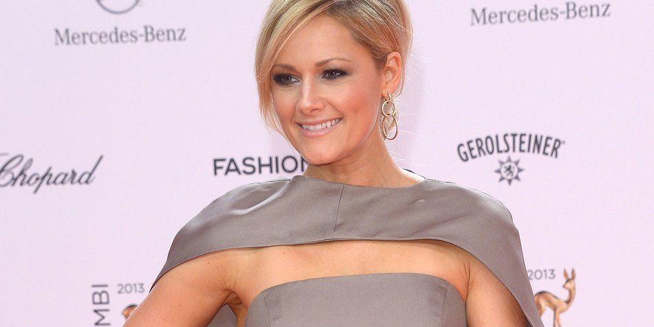 BERLIN, GERMANY - NOVEMBER 14: Helene Fischer attends the Bambi Awards 2013 at Stage Theater on November 14, 2013 in Berlin, Germany. (Photo by Luca Teuchmann/Getty Images)