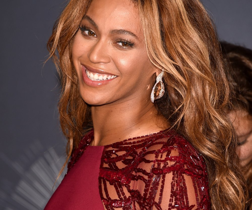 Beyonce lässt Haare