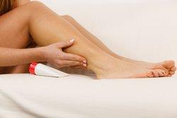 Hausmittel gegen Wasser in den Beinen