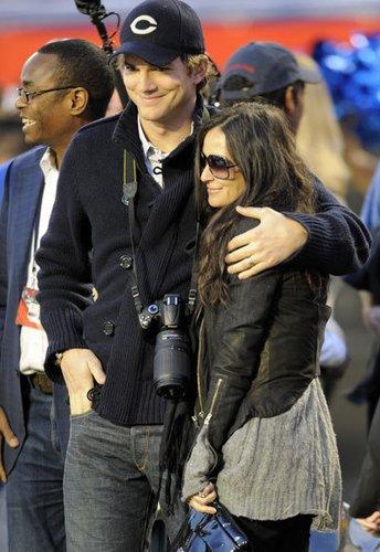 Demi Moore und Ashton Kutcher beim Super Bowl
