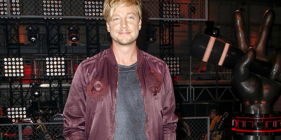 BERLIN, GERMANY - AUGUST 31: Samu Haber, finnisch singer and frontman of the band Sunrise Avenue attends the photocall for the six season of 'The Voice of Germany' on August 31, 2016 in Berlin, Germany. (Photo by Isa Foltin/Getty Images)