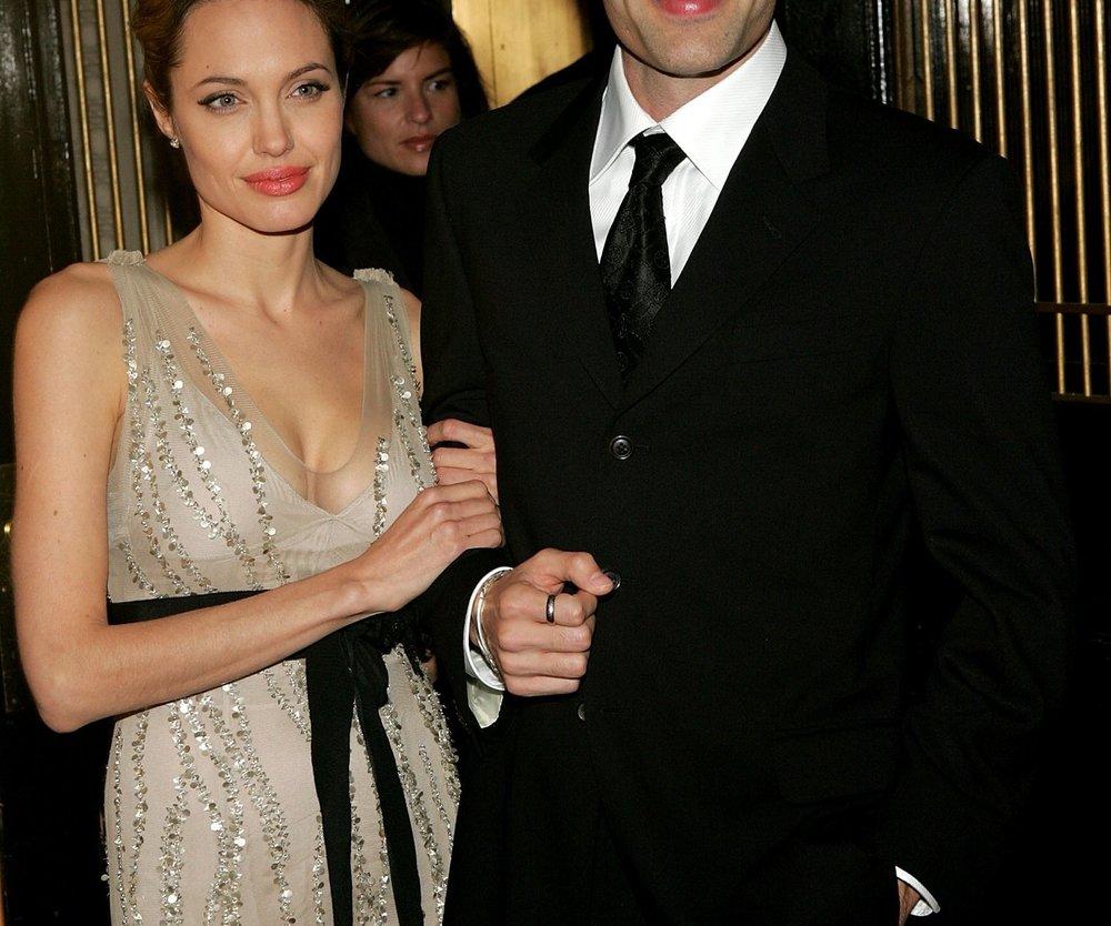 Angelina Jolie feiert mit ihrem Bruder