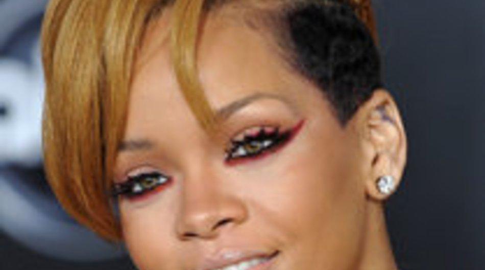 Rihanna: Chris Brown ist kontrollsüchtig