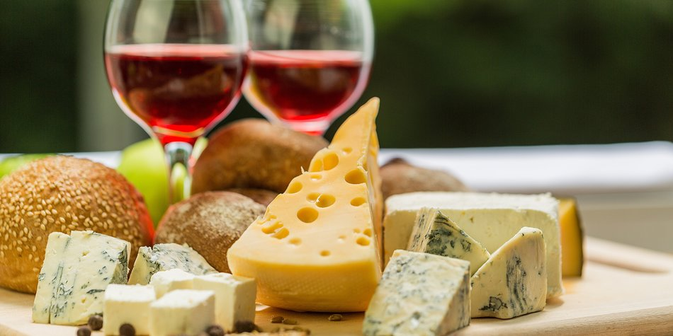 Glasses of Wine with Cheese and Bread