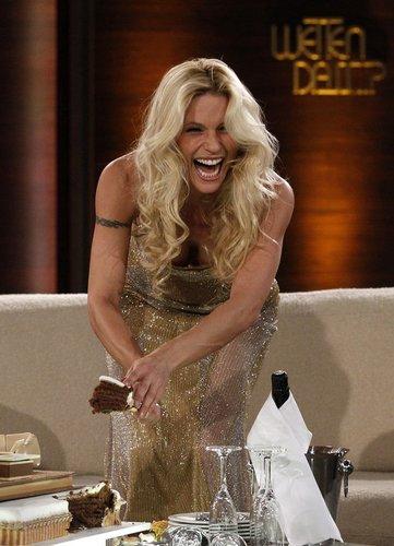 Michelle Hunziker lacht herzhaft.