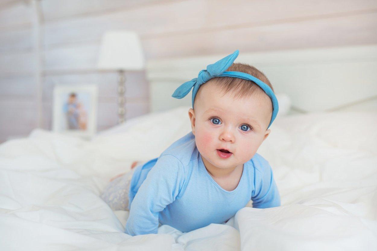 Baby in Blau