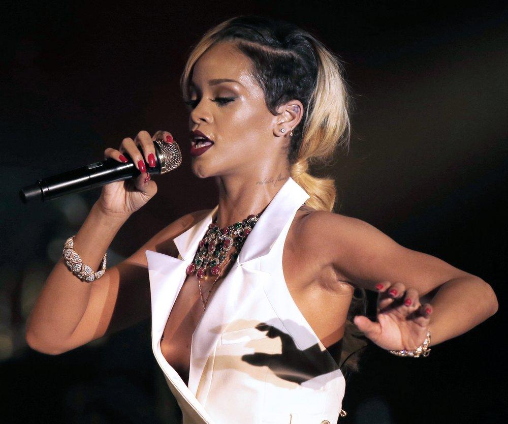 Rihanna sucht spirituelle Hilfe