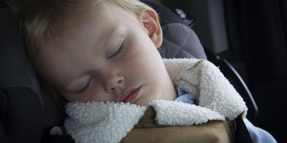 Eltern lassen Fünfjährigen bei Eiseskälte alleine im Auto zurück