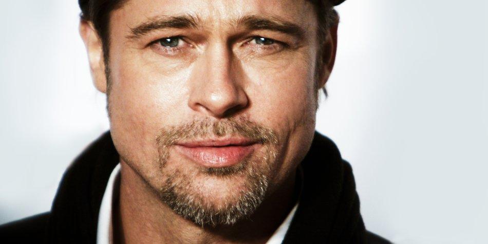 """Brad Pitt before the premiere of the movie """"The Tourist"""" in Rome (Photo by Simone Cecchetti/Corbis via Getty Images)"""