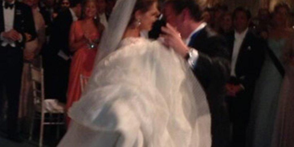 Prinzessin Madeleine tanzt mit Chris den Hochzeitswalzer.