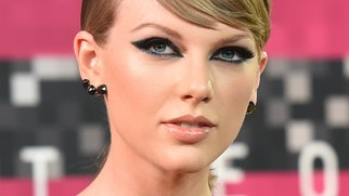 LOS ANGELES, CA - AUGUST 30: Musician Taylor Swift attends the 2015 MTV Video Music Awards at Microsoft Theater on August 30, 2015 in Los Angeles, California. (Photo by Jason Merritt/Getty Images)