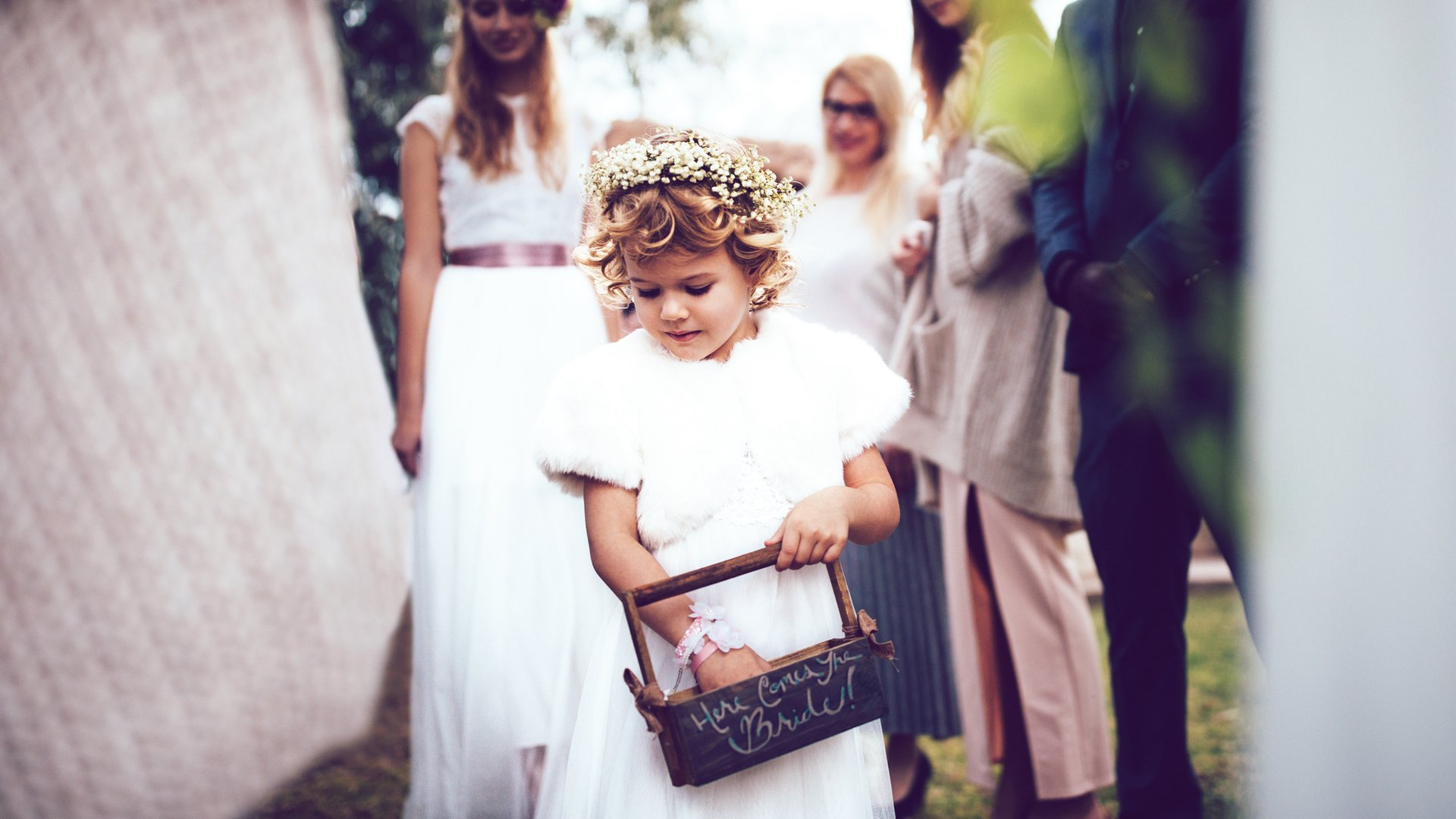Susse Ideen Fur Die Blumenkinder Auf Einer Hochzeit Desired De