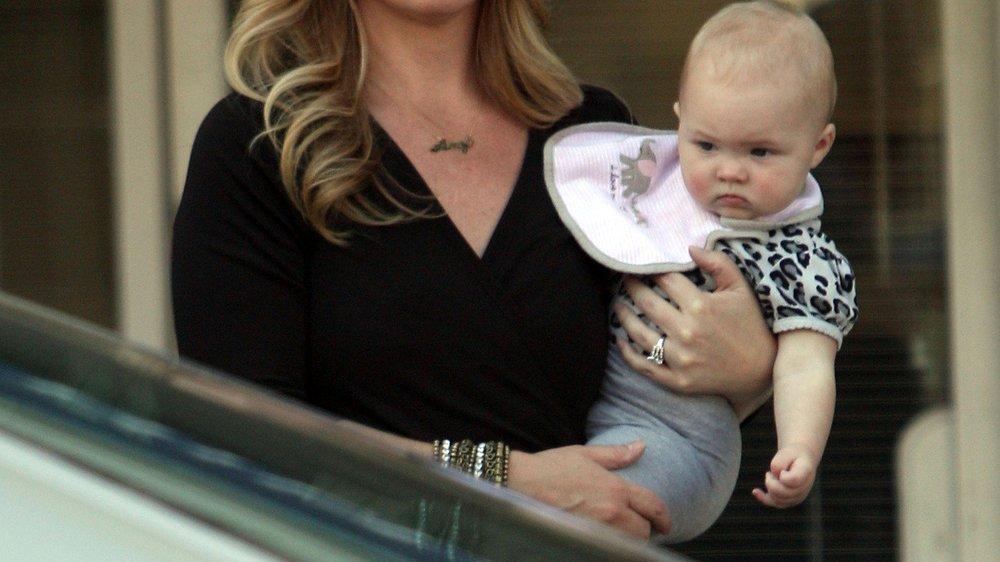 Christina Applegate kümmert sich selbst um Tochter