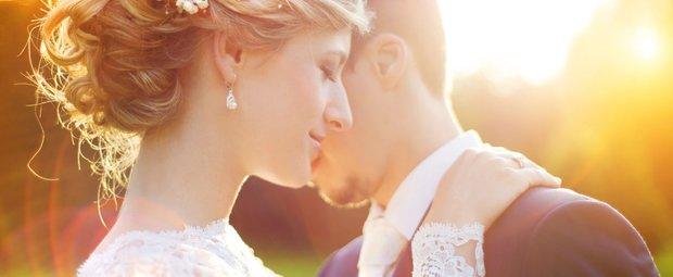 Seitliche Brautfrisur 1