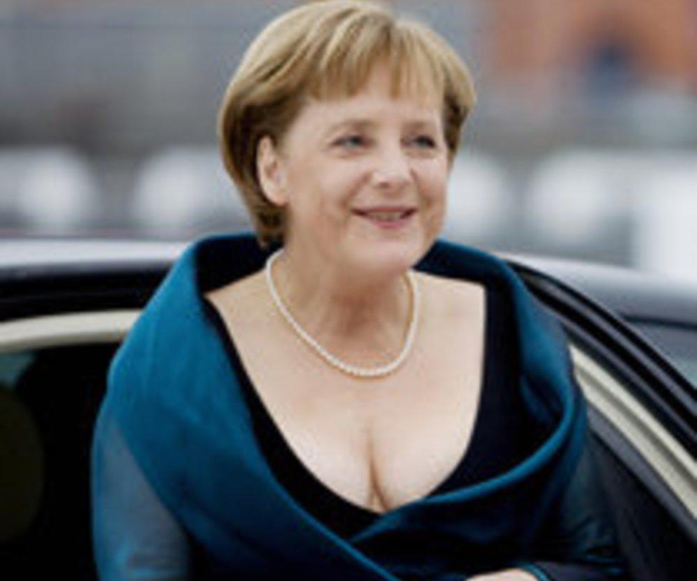 Angela Merkel wird zur Preisfee
