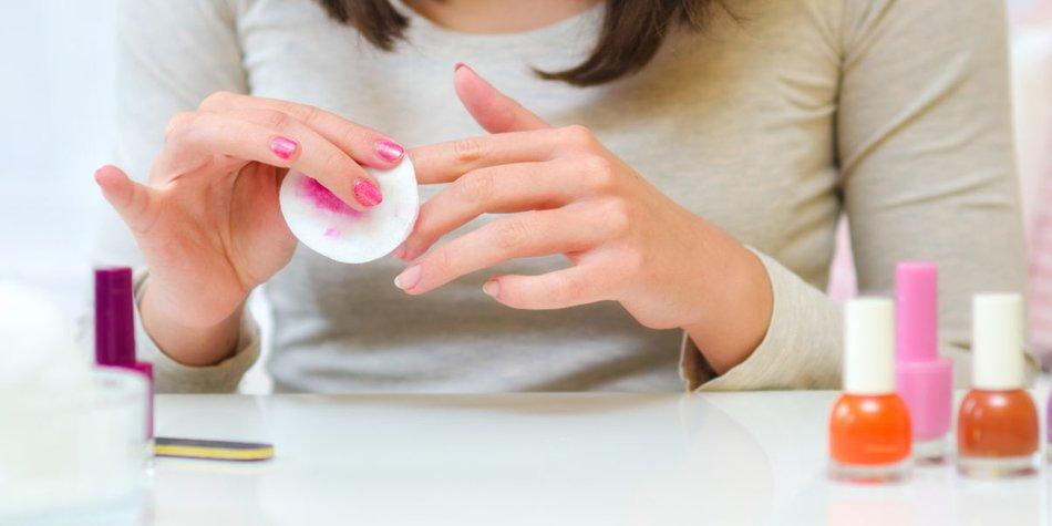 Nagellack entfernen ohne Nagellackentferner