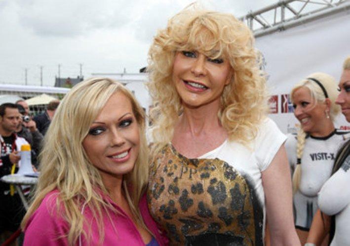 Dolly Buster ist eine bekannte Erotik-Darstellerin