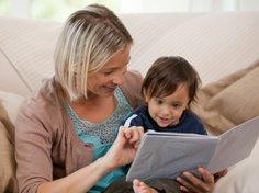 Dein Kind wird von einer Tagesmutter in der Regel in ihrem Haushalt betreut.