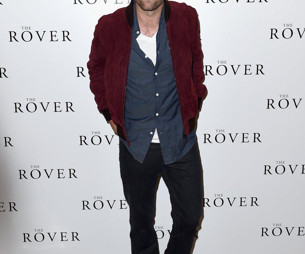 Robert Pattinson turtelt in Köln
