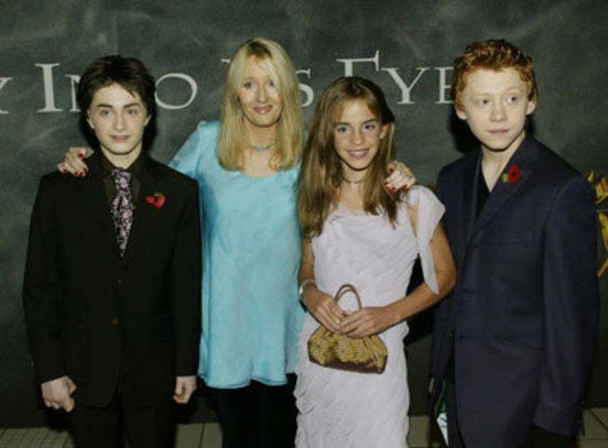Die drei Hauptdarsteller von Harry Potter mit Joanne K. Rowling