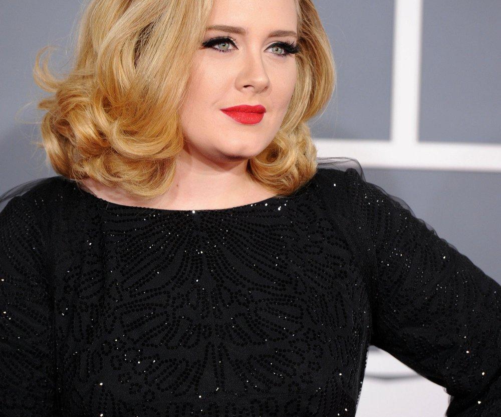 Adele muss Freunde testen