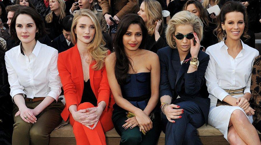 Rosie Huntington-Whiteley, Freida Pinto, Rita Ora und Kate Beckinsale bei Burberry Prorsum