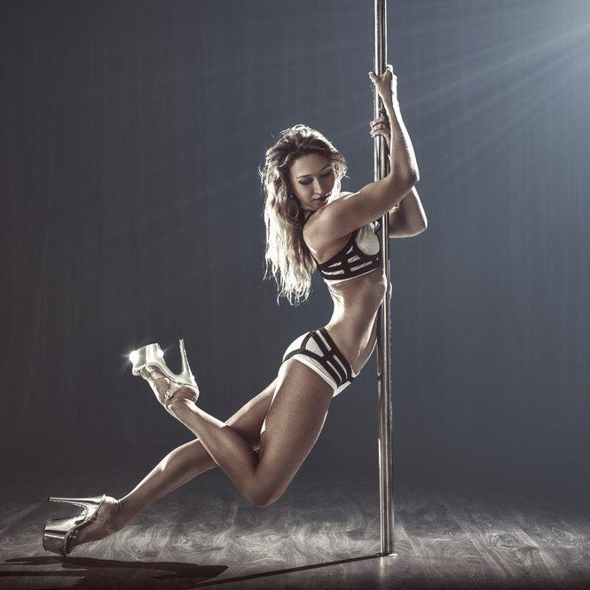 Pole dance_iStock_anastasiasku