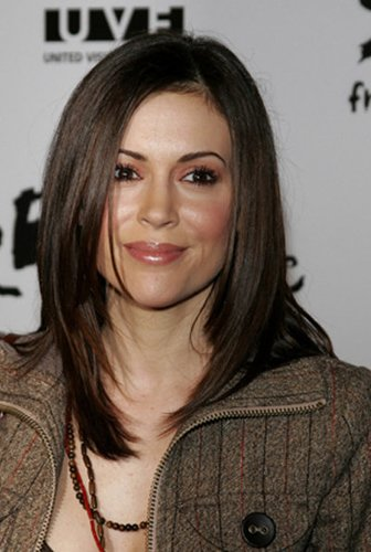 Alyssa Milano: Fransiger Sleek Look