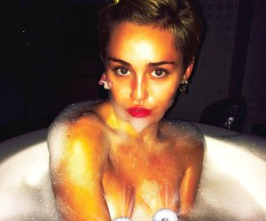 Miley Cyrus postet sexy Planschfoto