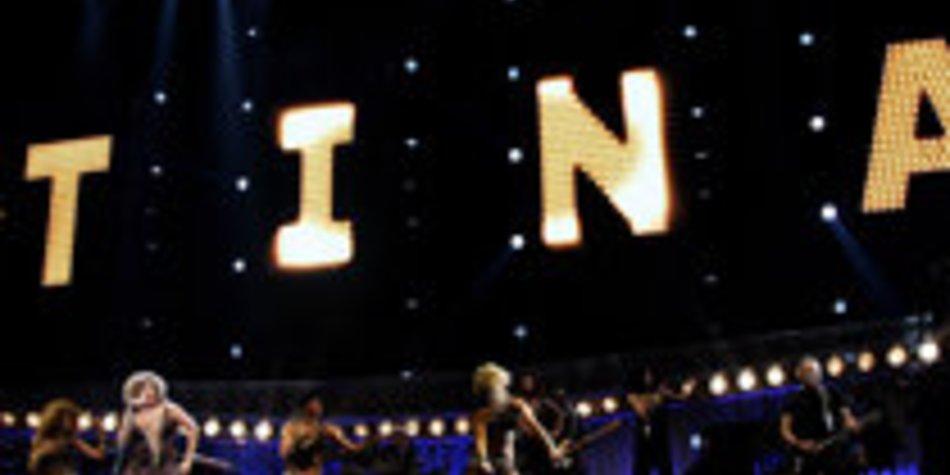 Tina Turner rocks the stage!