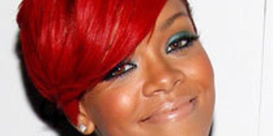 Rihanna will alles in Schwarz