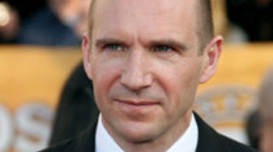 Ralph Fiennes: Surfunfall