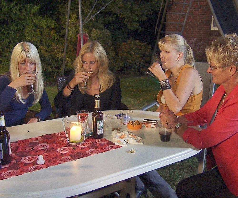 Bauer sucht Frau: Zwischen Lena und Janine knistert es immer heftiger