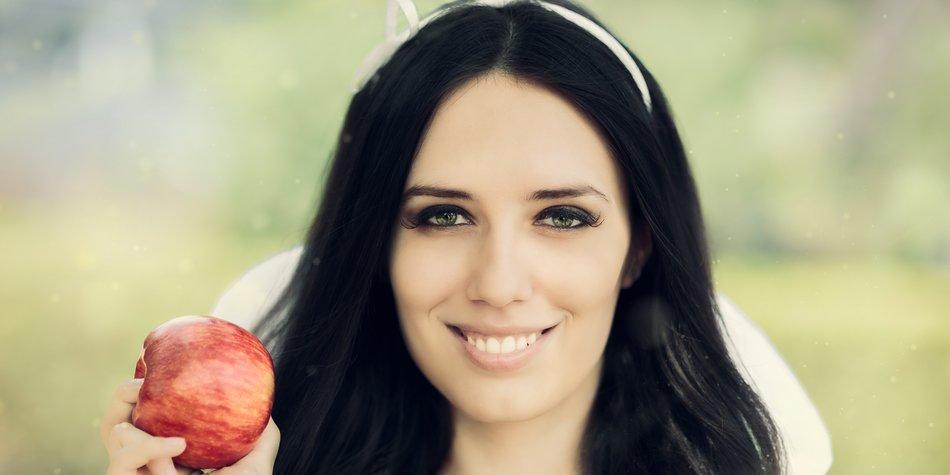 Haare Schwarz Färben 9 Tipps Für Die Optimale Farbe Desiredde