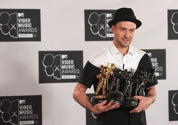 Justin Timberlake zeigt seine Trophäen