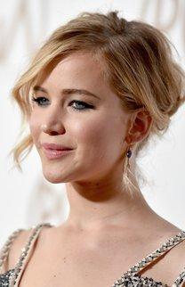 Jennifer Lawrence: Gewellter Chignon