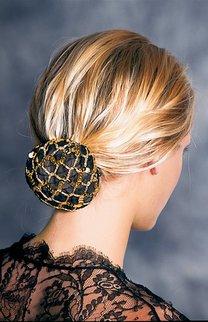 Dutt bei blondem Haar