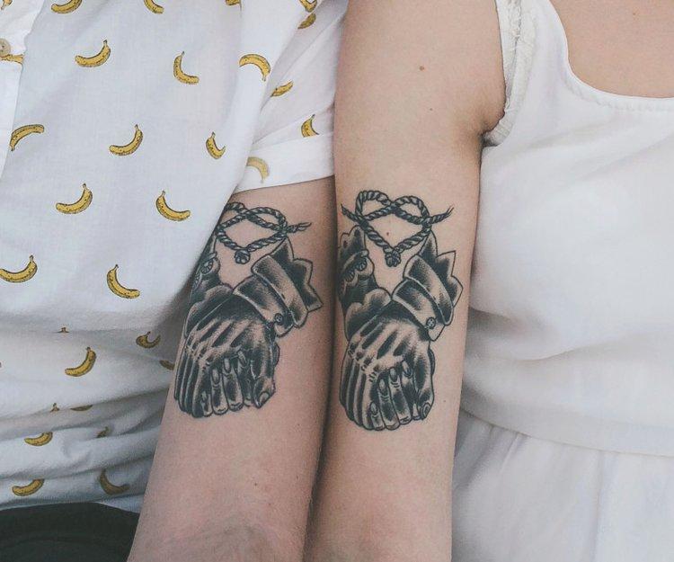 Tattoos Fuer Paare Die Sich Ergaenzen Herz 2