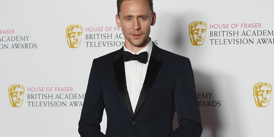 LONDON, ENGLAND - MAY 08: Tom Hiddleston poses in the Winners room at the House Of Fraser British Academy Television Awards 2016 at the Royal Festival Hall on May 8, 2016 in London, England. (Photo by Stuart C. Wilson/Getty Images)